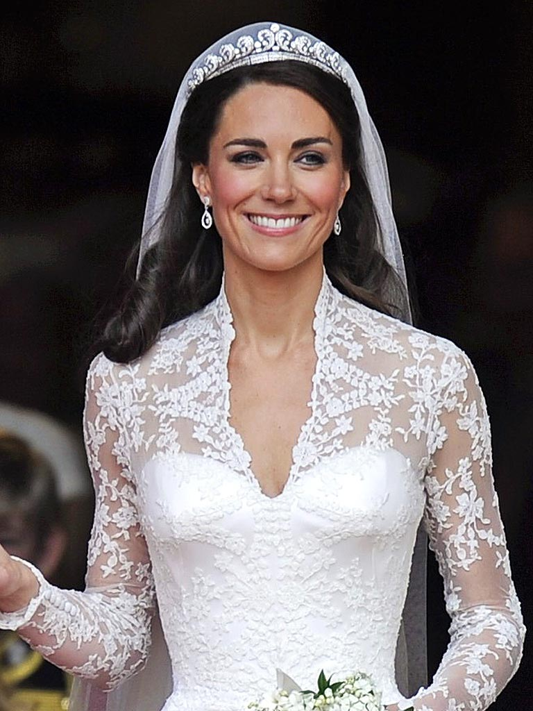 Pearl Necklace Wedding Dress Images Kate Middleton 39 S Story Jpg