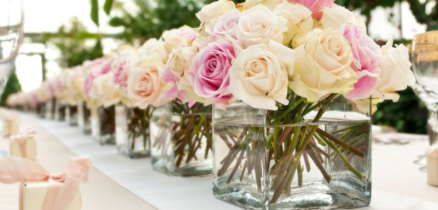 Roses are familiar and classic, but arranged like this they get a modern twist.
