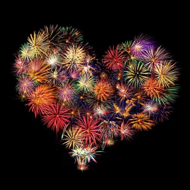 Custom-shaped fireworks