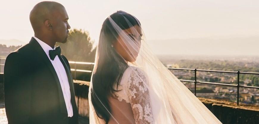 o-KIM-KARDASHIAN-WEDDING-PORTRAIT-facebook
