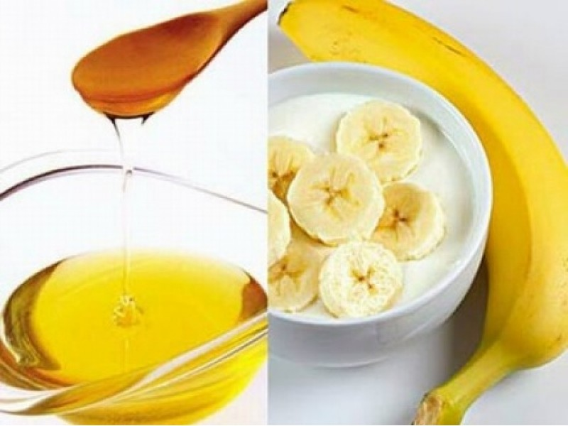 banana-yogurt-honey-face-mask